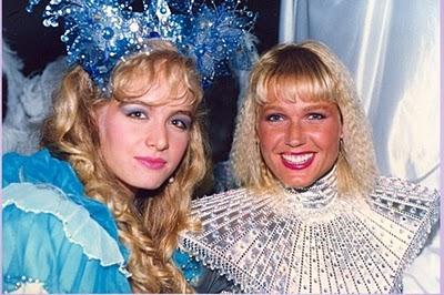 Uma das fotos postadas por Angélica mostra a apresentadora ao lado de Xuxa, nos anos 80. Antes rivais na TV, hoje são grandes amigas