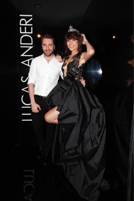 Maria com o estilista Lucas Anderi